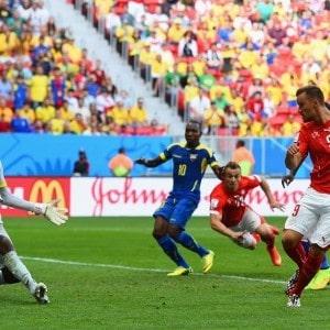 Suiza derrotó a Ecuador en los últimos segundos #Brasil2014 2
