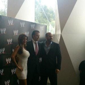 WWE en México con Cesaro y Rosa Mendes 2