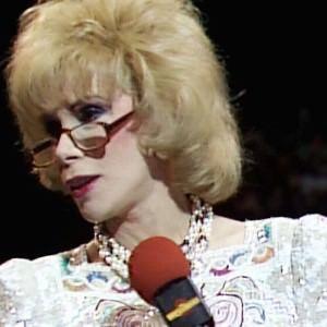 Video WWE: Joan Rivers en WrestleMania 2 3