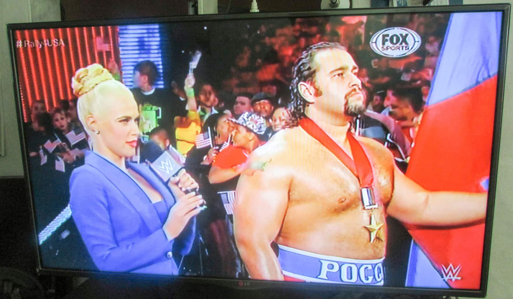 La bella Lana y Rusev en WWE en Fox Sports Latinoamérica (04/10/2014)