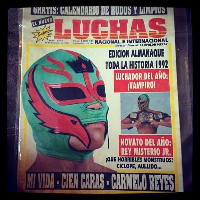 """Rey Misterio Jr. como Novato del Año en la Revista """"Súper Luchas"""" (31/12/1992) / Instagram.com/mr.619er"""