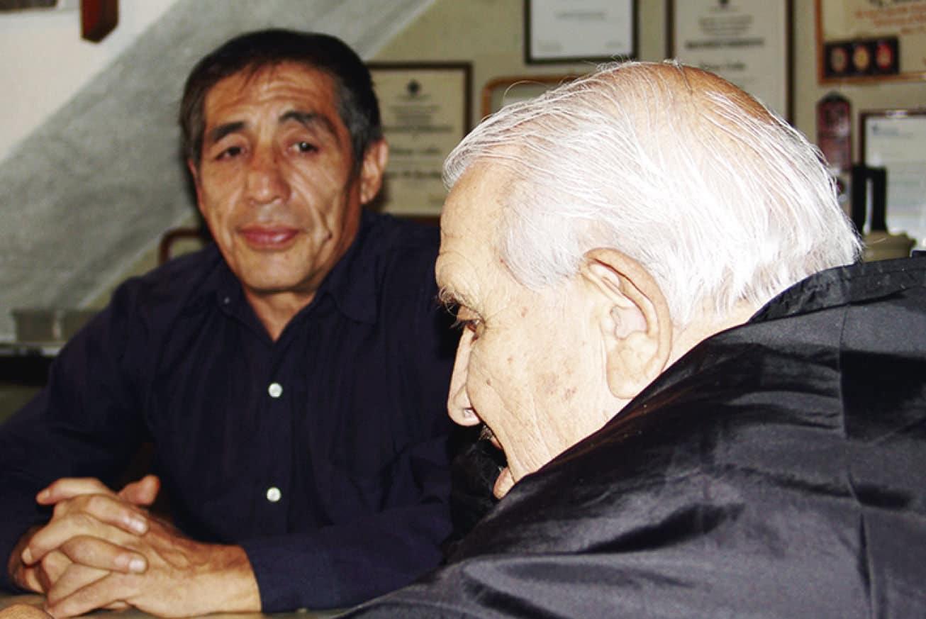 """Teddy Baños con don Antonio Cuéllar """"El Ratón S."""" (†) / Foto: Emilio Valdez"""