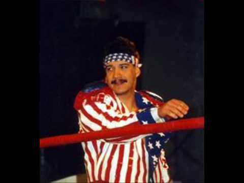 Hace 25 años, Eddie Guerrero y Love Machine se coronaron en AAA 2