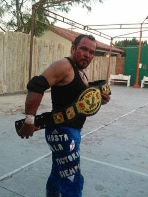 Ojo de Halcón campeón de WXW.