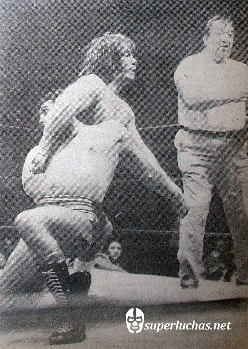 "Heriberto ""Rizado"" Ruiz vs. Dardo Aguilar (20 de diciembre de 1977 )."