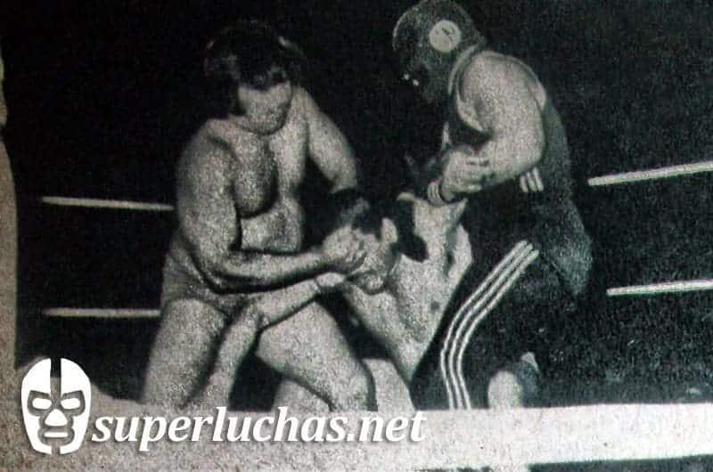 Mario Ramírez y Septiembre Negro vs. César Silva