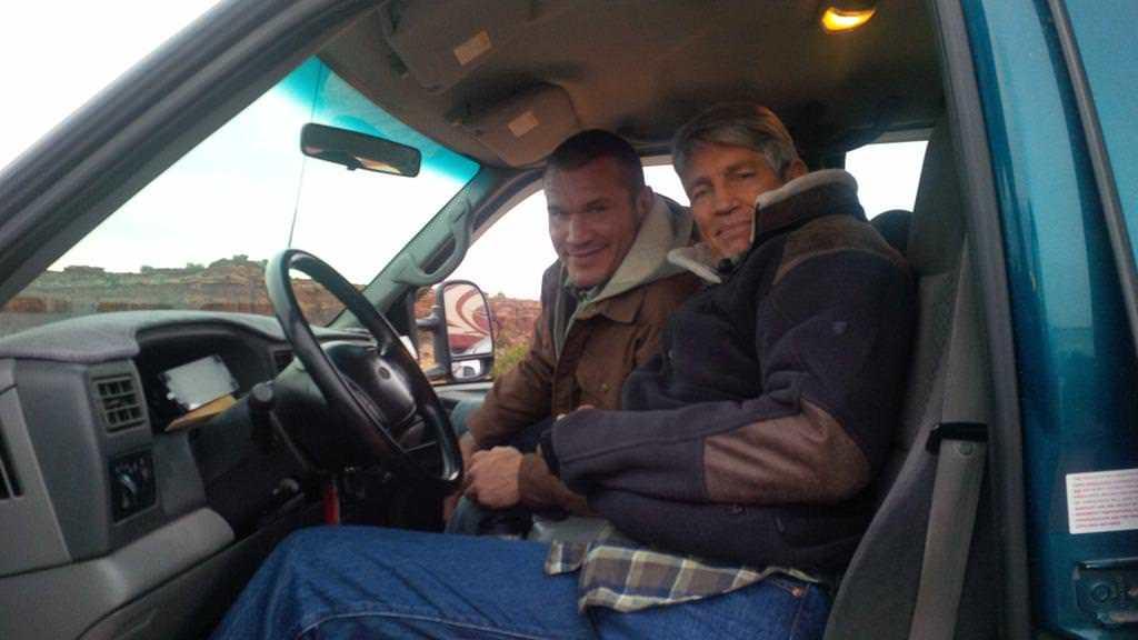 Randy Orton y su padre en la película The Condemned 2, el actor Eric Roberts / Twitter.com/EricRoberts