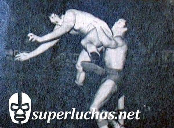 José Luis Mendieta vs. Tony Salazar