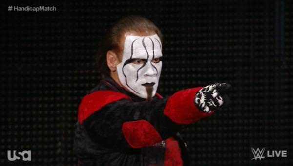 Sting aparece en Raw 19-01-15 -Captura de pantalla tomada de twitter.com/wwe