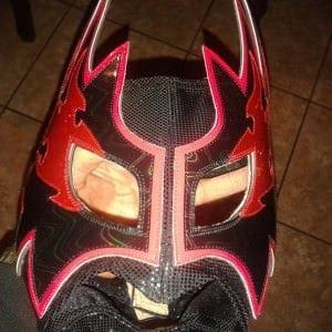 Las máscaras caen, los héroes no. El reinicio de Makabre. 4