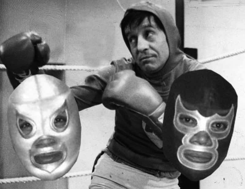 The day that Chespirito unmasked Santo and Blue Demon 4