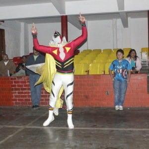 Hijo de Máscara Sagrada presentándose en Xalapa.