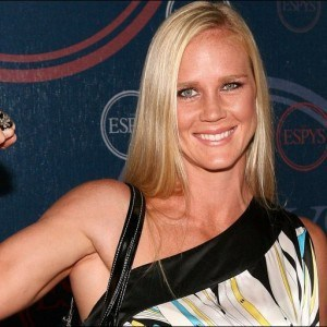 Holly Holm, ¿la próxima estrella femenina de UFC? / fightofthenight.com