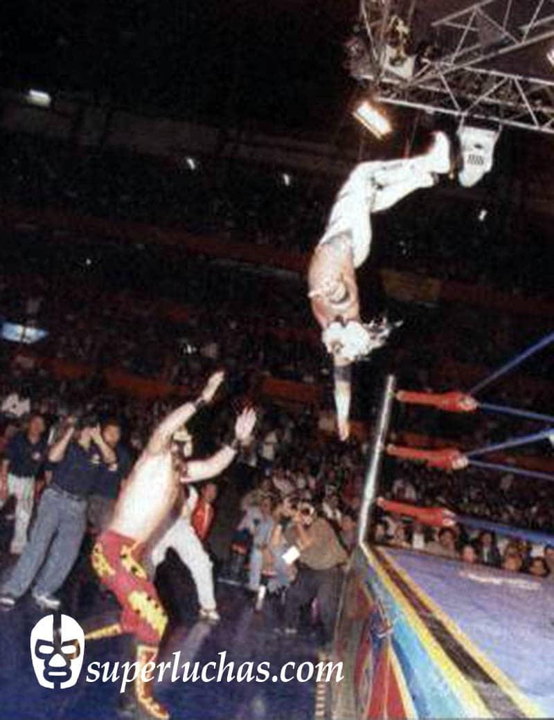 Volador Jr. vs. Sangre Azteca