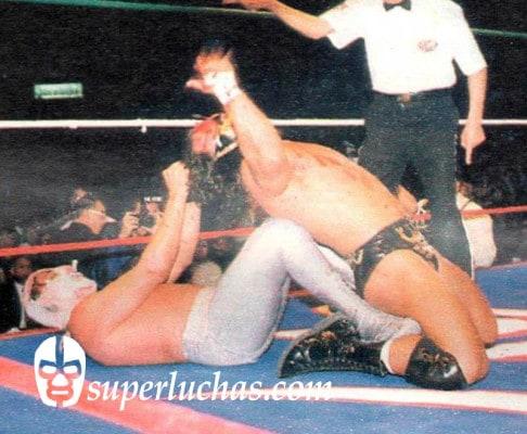 Hijo del Santo vs. Scorpio Jr.