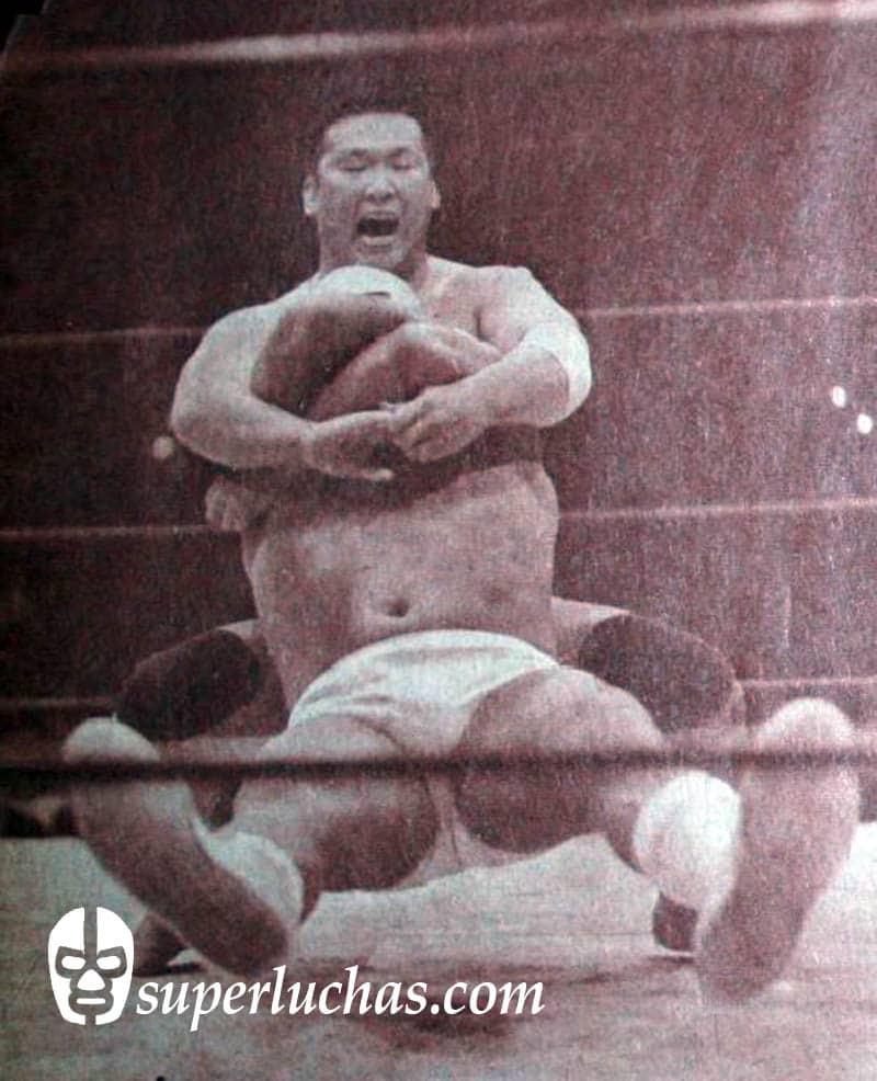 Yamamoto [Kantaro Hoshino, de la JWA] vs. Dr. Wagner