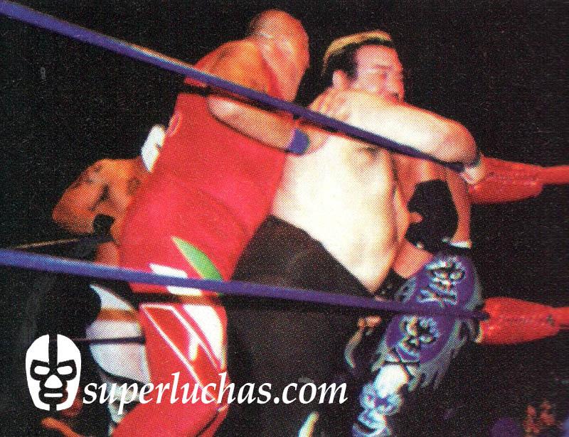 Brazo de Plata y Gran Markus Jr. vs. Rey Bucanero