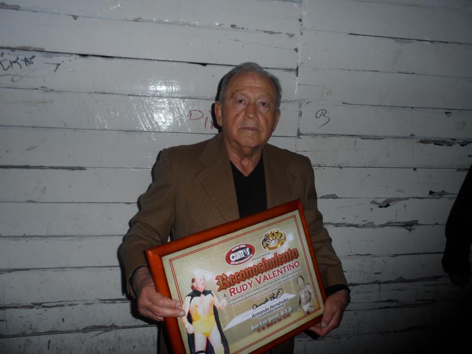 Uno de los homenajes a Rudy Valentino en la Arena Coliseo de San Luis Potosí