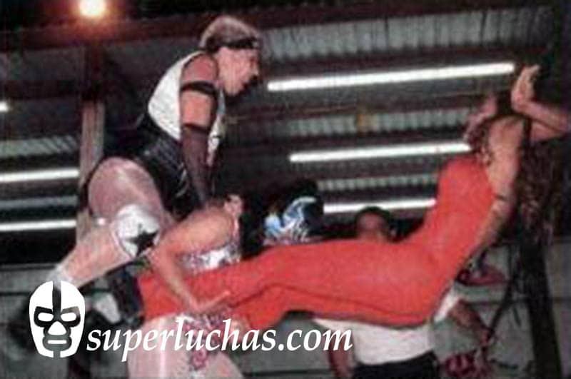 Polly Star y Lady TNT vs. Diana la Cazadora