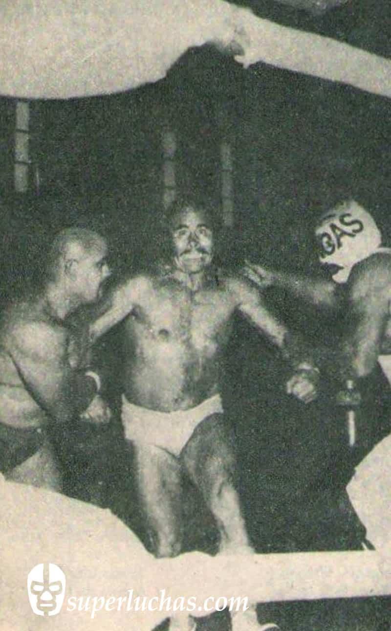 Ráfaga Moreno y El Broncas vs. Rizado Ruiz