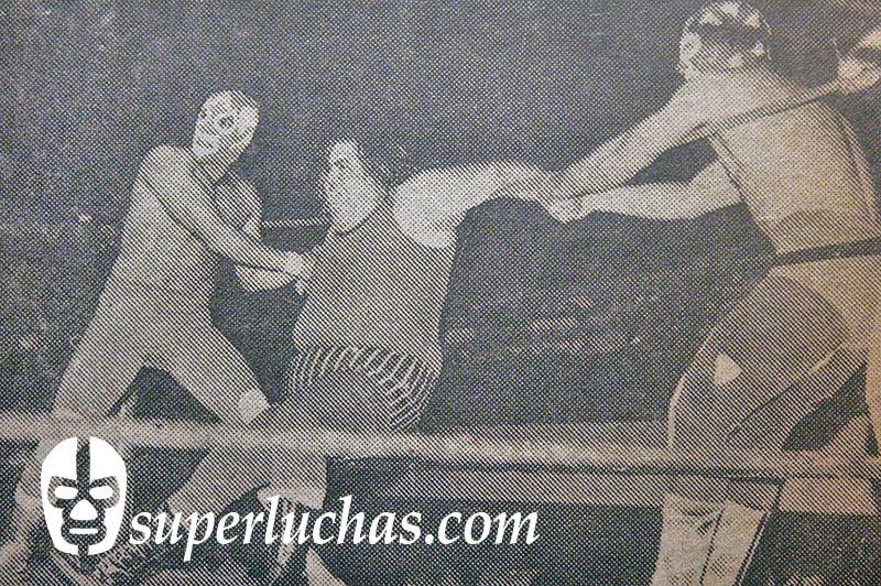 Aquiles y El Vagabundo vs. Tonina Harris