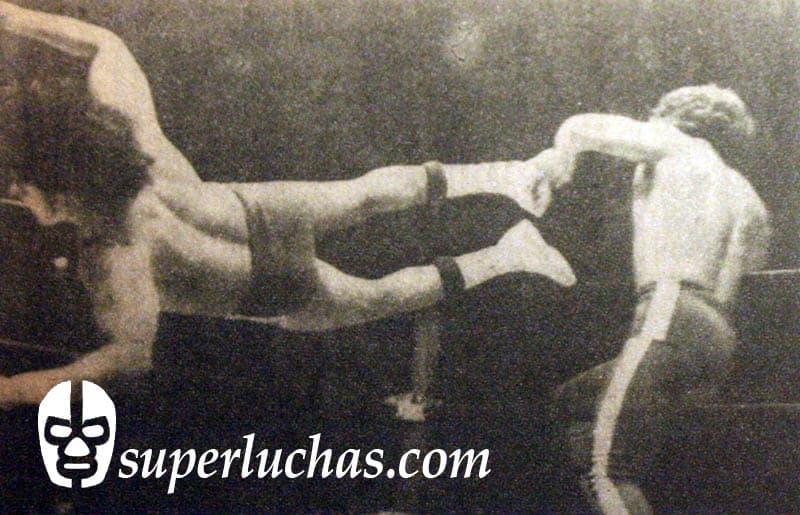 Ringo Mendoza vs. Sangre Chicana