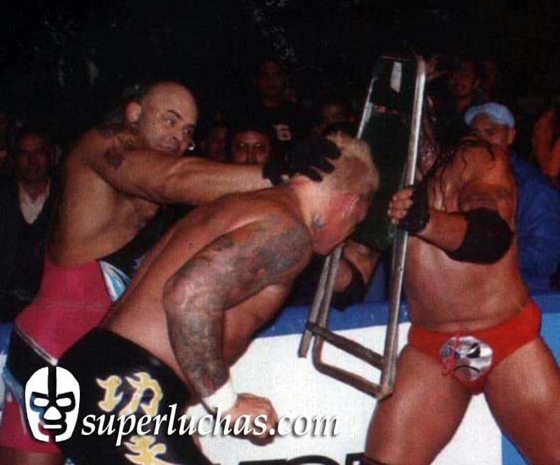 Konnan y Cibernético vs. Vampiro