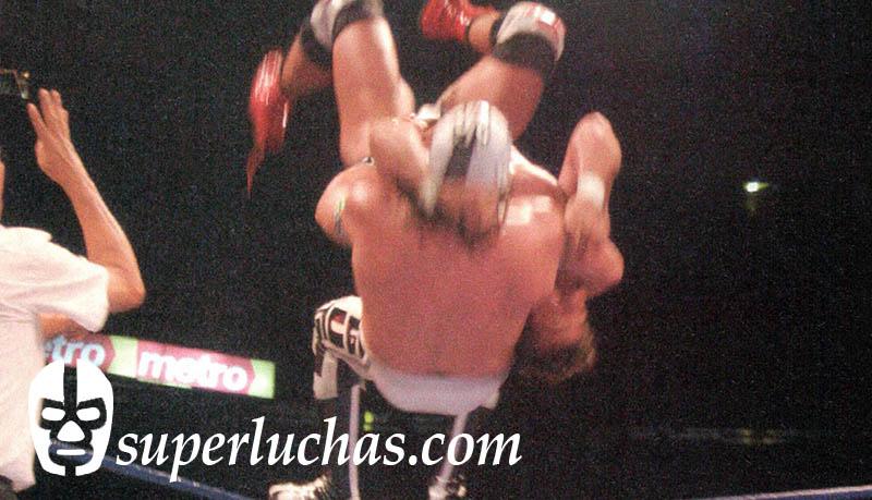 Último Guerrero vs. Héctor Garza