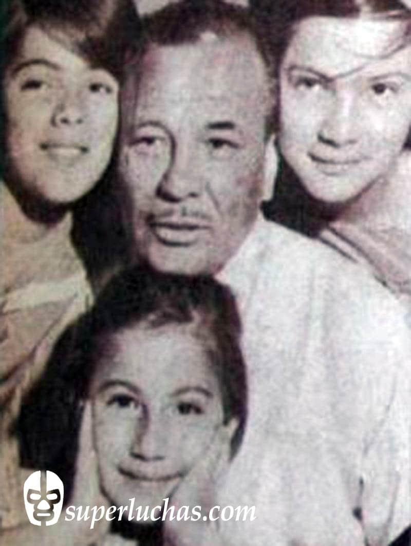 Tony Navarro.