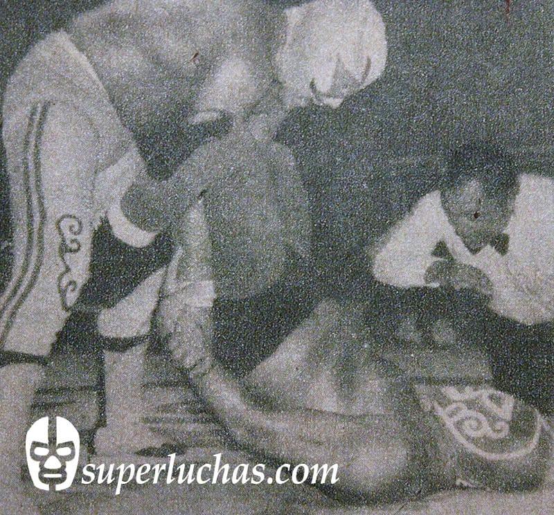 Villano III vs. Huracán Ramírez