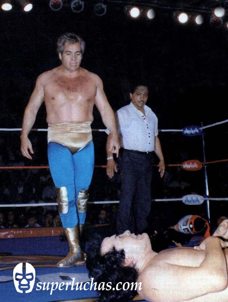 Máscara Año 2000 vs. Perro Aguayo