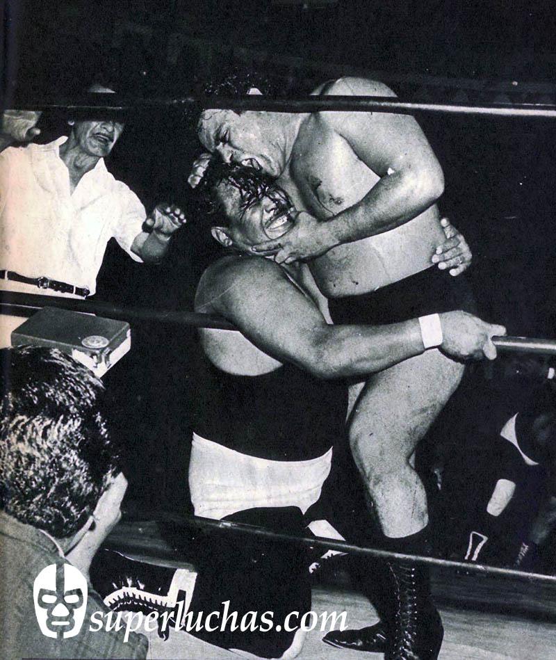 Raúl Reyes vs. Espanto I