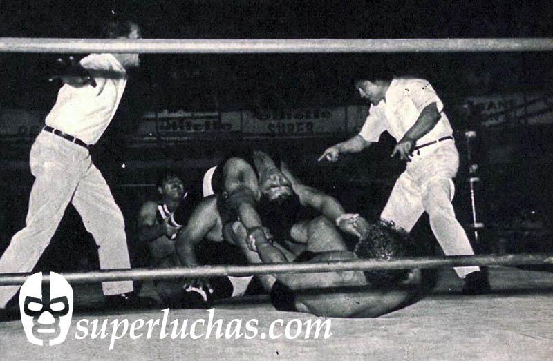 Rubén Juárez y Raúl Reyes vs. los Espantos