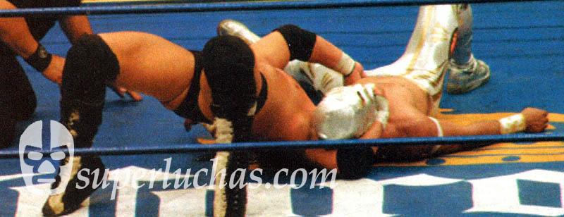 Hijo del Perro Aguayo vs. Místico