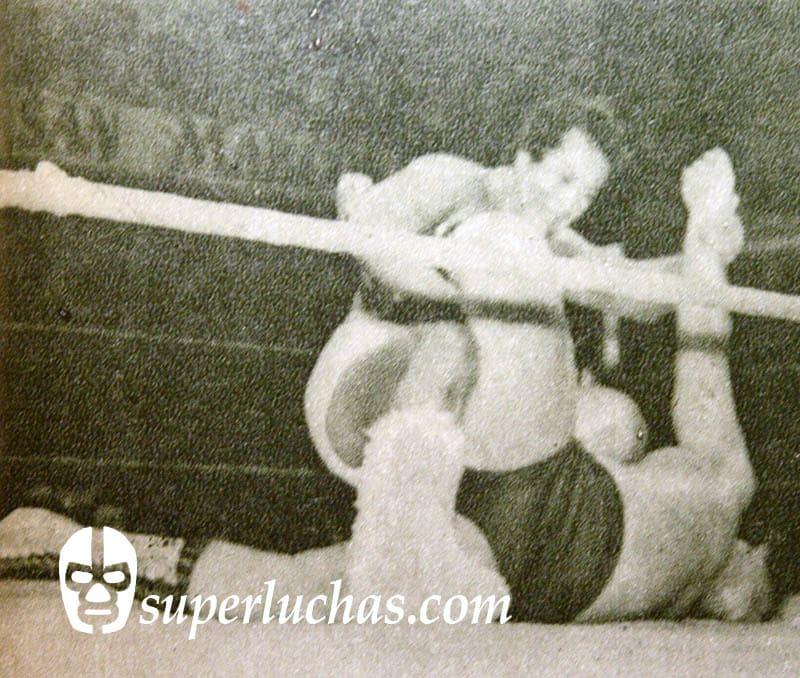 Perro Aguayo vs. El Faraón