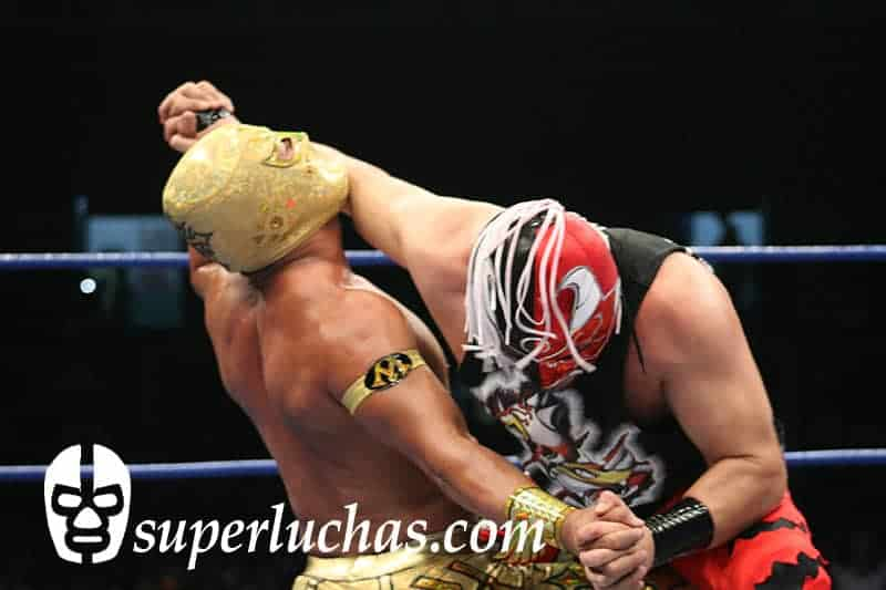 Averno vs. Místico