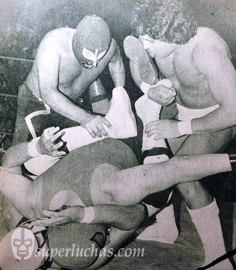 Rayo de Jalisco y El Monarca vs. Bestia Roja y Rokambole