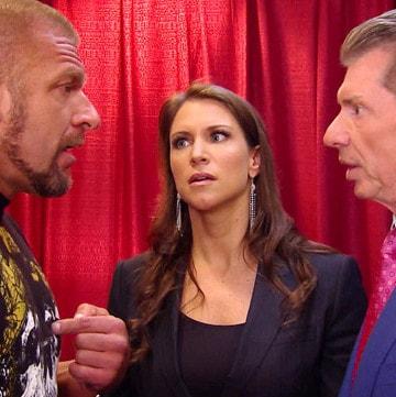 Triple H, Stephanie McMahon y Vince McMahon / ©WWE