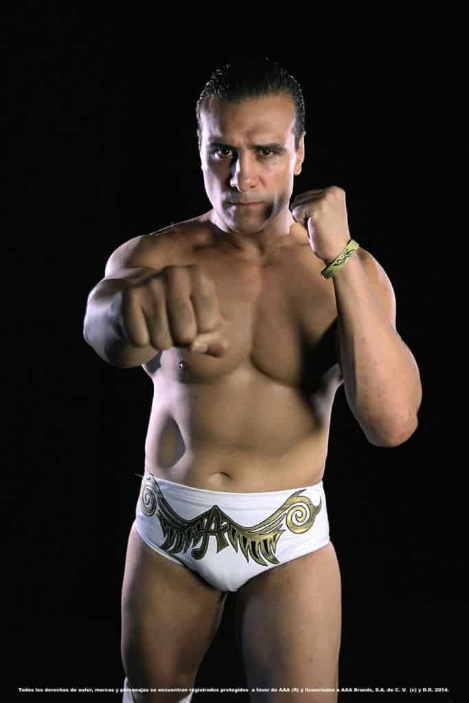Alberto del Río anunció su regreso a las MMA 2