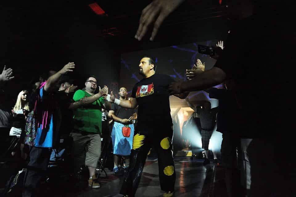 House of Hardcore 9: Austin Aries y Bobby Roode aparecen. Traci Brooks se retira. 5