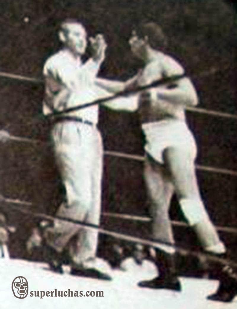Ray Mendoza y Wolf Ruvinskis