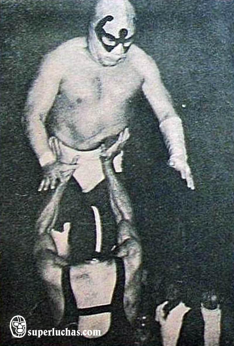 Brazo de Plata vs. The Wrestling II