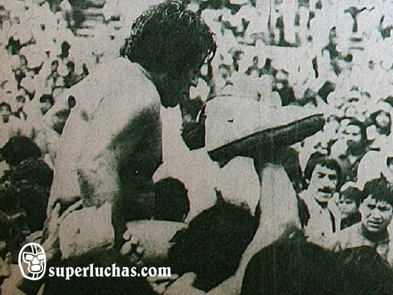 René Guajardo vs. Gran Hamada
