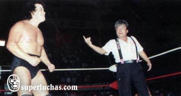 Konann y Perro Aguayo vs. Cien Caras, Fishman y Cobarde