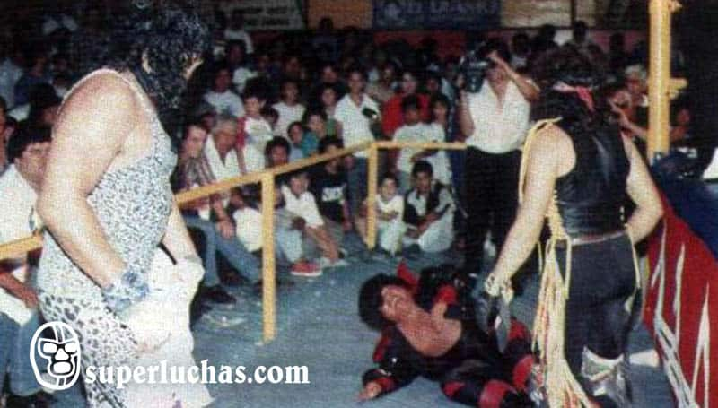 Jerrito Estrada vs. Piratita Morgan