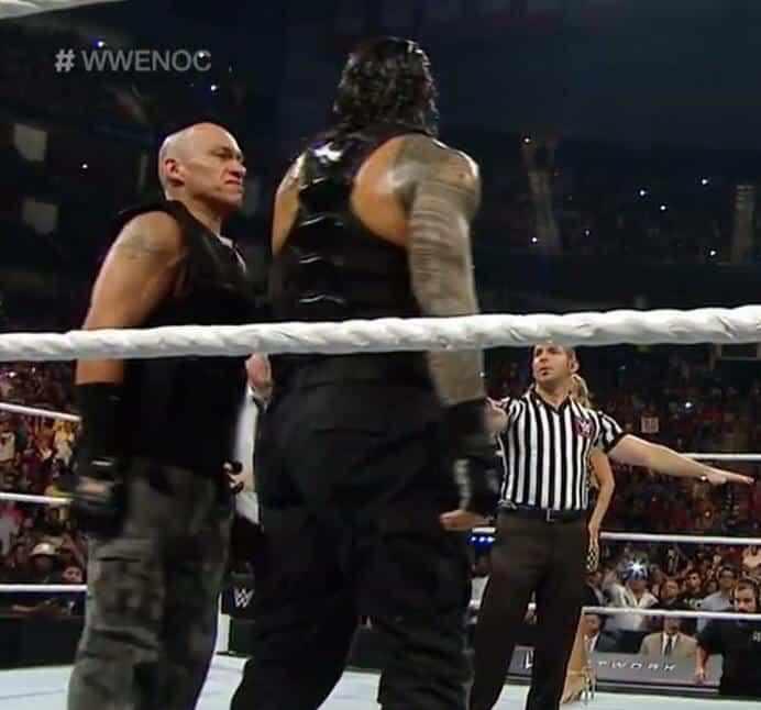 Óscar Ramírez, fan de WWE, ingresa al ring en WWE Night of Champios 2015 (20/09/2015)