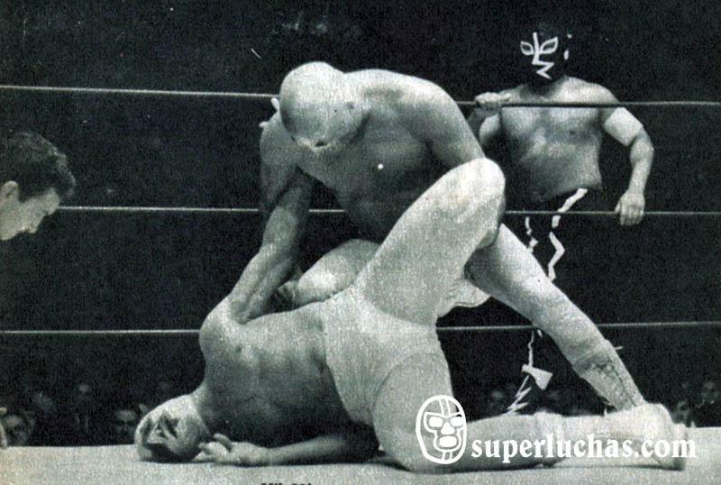 Santo y Rayo de Jalisco vs. Black Shadow y Mil Máscaras