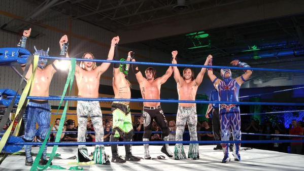 Team AAA y The Bullet Club (AJ Styles y The Young Bucks) en CHIKARA King of Trios 2015