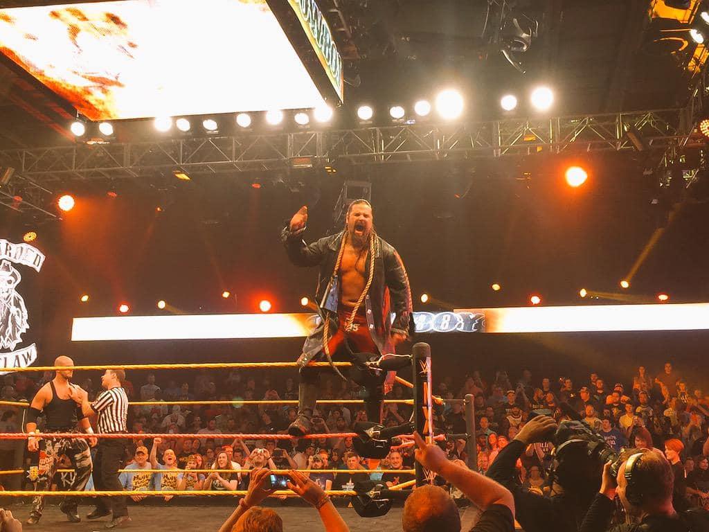James Storm debuta en WWE NXT (08/10/2015) / Twiter.com/WWENXT