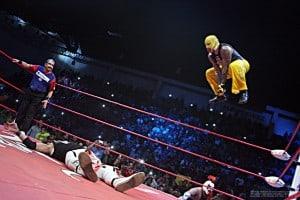 AAA: Resultados Cd. Juárez, Chihuahua - 15/11/2015 - Reaparece Psicosis y se mide ante Rey Mysterio Jr. 2